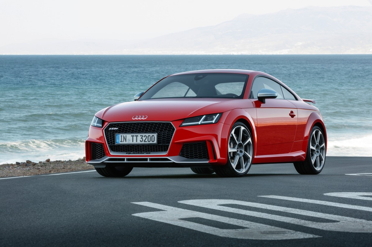 Audi-TT-RS-Coupe-(2).jpg